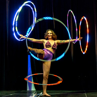 spectacle-hula-hoop-lumineux