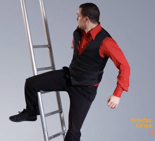 Spectacle-echelle-acrobatique-1